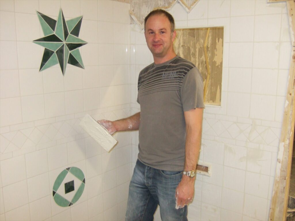 Ceramic tiling courses